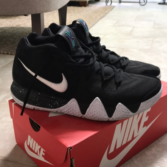 low priced 5ab4d a8fb1 Barely worn Kyrie 4, size 10 1/2
